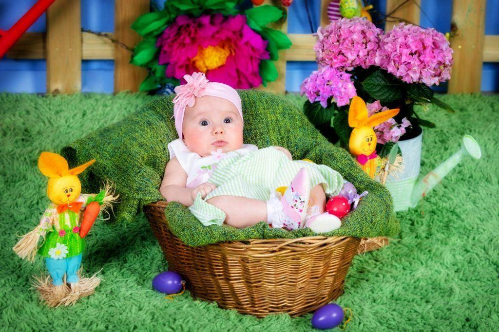 Şedință foto Paște familie nou nascut